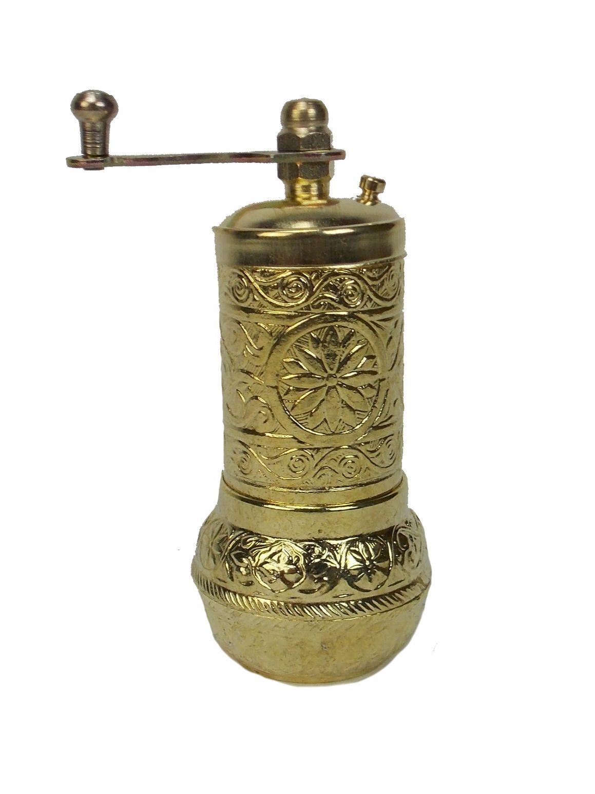 Rasnita manuala pentru piper - metal culoare galben auriu, 11 cm